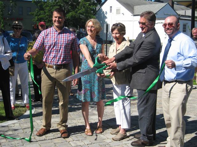 Junction Park ribbon cutting.jpg